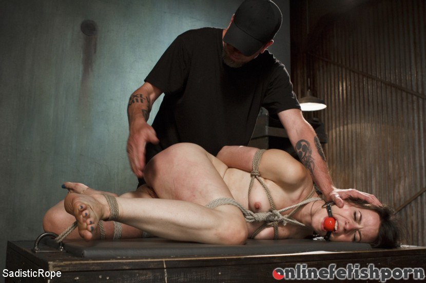 Sadisticrope.com – Newcomer Pays the Price Freya French 2014 Submission