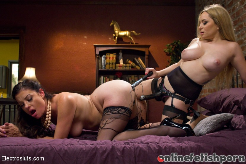 Electrosluts.com – Housewife Ruins Dinner,.. Aiden Starr & Sovereign Syre 2014 Pussy Eating