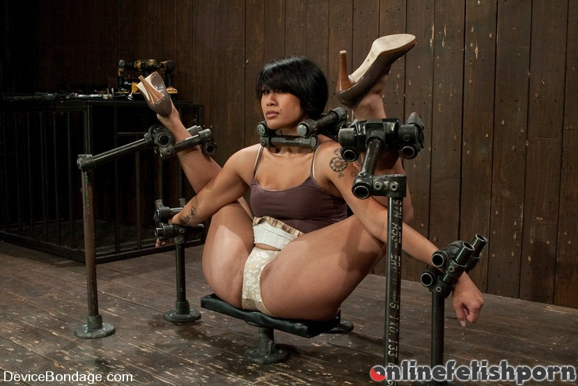 Devicebondage.com – DragonLilyHard foot caning,.. DragonLily 2009 Asian