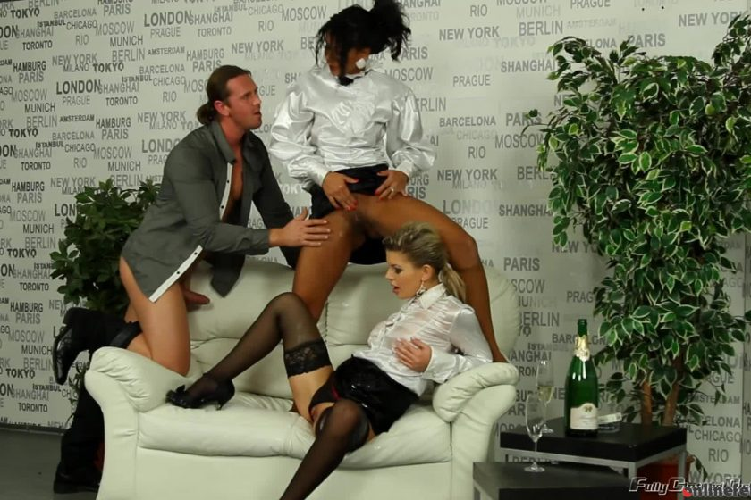 Fullyclothedpissing.com – Flashy In White Piss Fuck Fiends Rihanna Samuel & Isabella Chrystin 2013 Non-Nude
