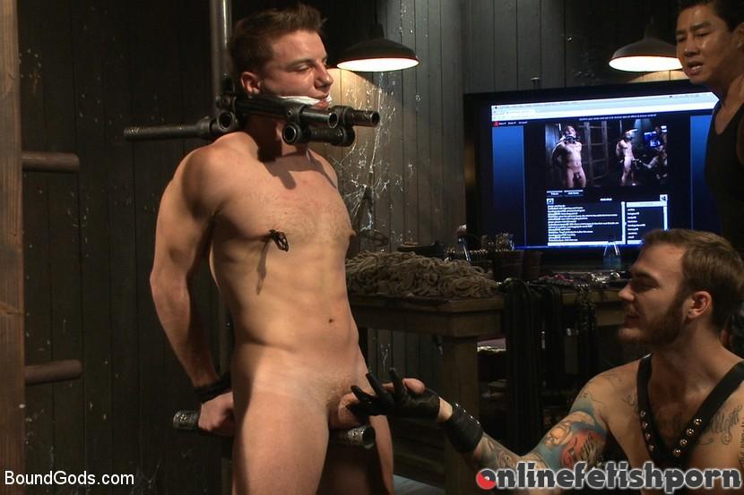 Boundgods.com – A pain slut and a newcomer – Live.. Van Darkholme & Christian Wilde & Doug Acre 2013 Master