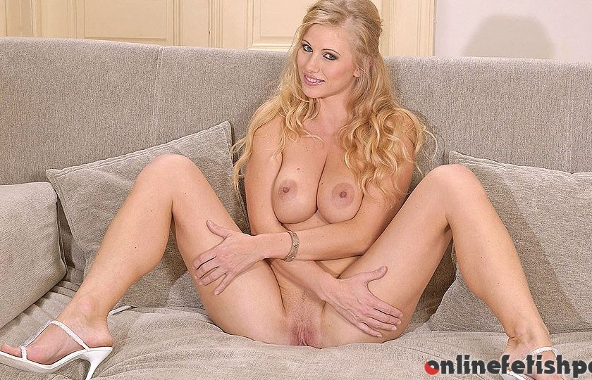 1by-day.com – I hate it when my pubes are too lo Nikita Valentin 2004 Solo
