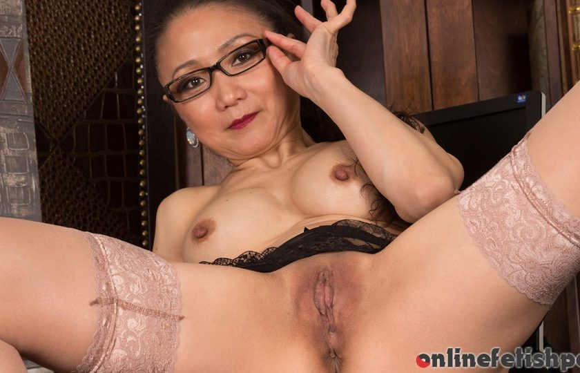 Anilos.com – Sexy Old Lady Kim 2014 Office