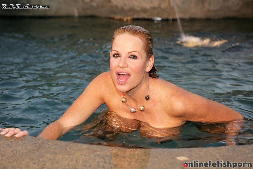 Kellymadison.com – Pleasurably Wet Kelly Madison 2009 Blonde