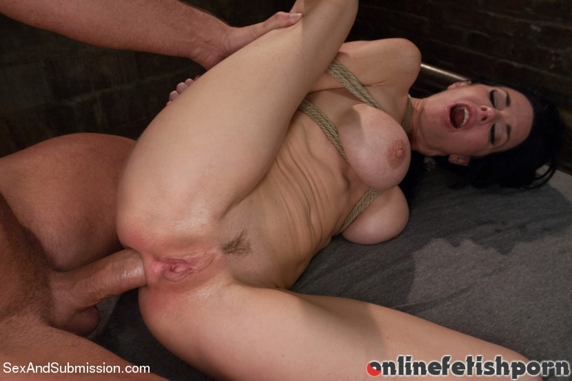 Sexandsubmission.com – The Lonely Housewife Mark Davis & Veronica Avluv 2013 Blowjob