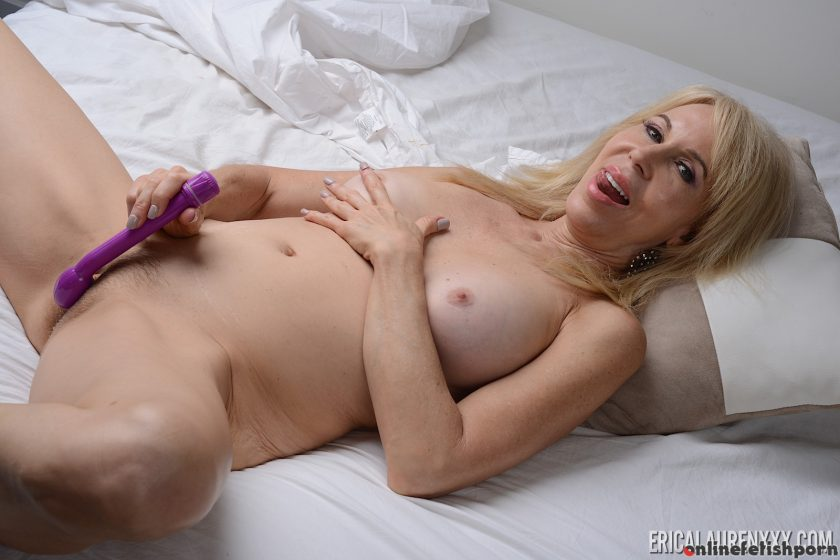 Pornstarplatinum.com – Erica Lauren in Solo Under The.. Erica Lauren 2016 Natural Tits