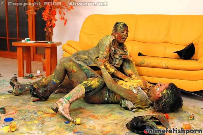 Allwam.com – Smearing Paint All Over Each Other Celine Noiret & Veronica da Souza 2008 Lesbian